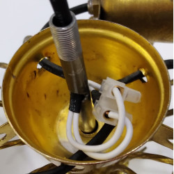Монтаж проводки в трубке люстры