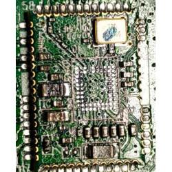 Чистка платы наушников JBL E65BTNC.jpg